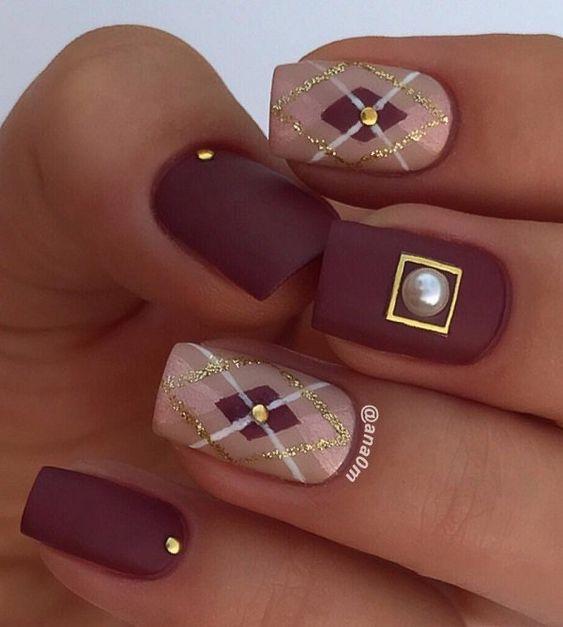 Argyle nail art manicure 2