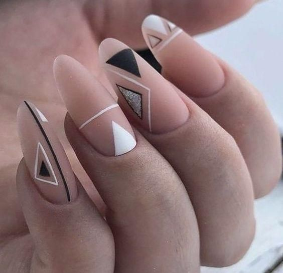 Easy Triangle Nail 1