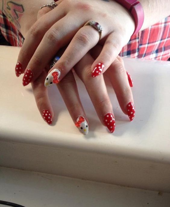 Hello Kitty Stiletto Nail 1