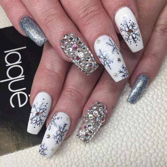 Snowflake Nail 3