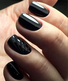 black decorated nails 1
