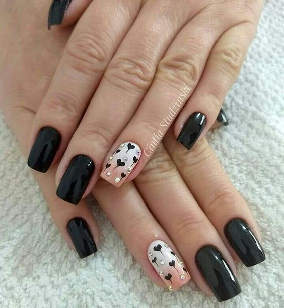 black decorated nails 10