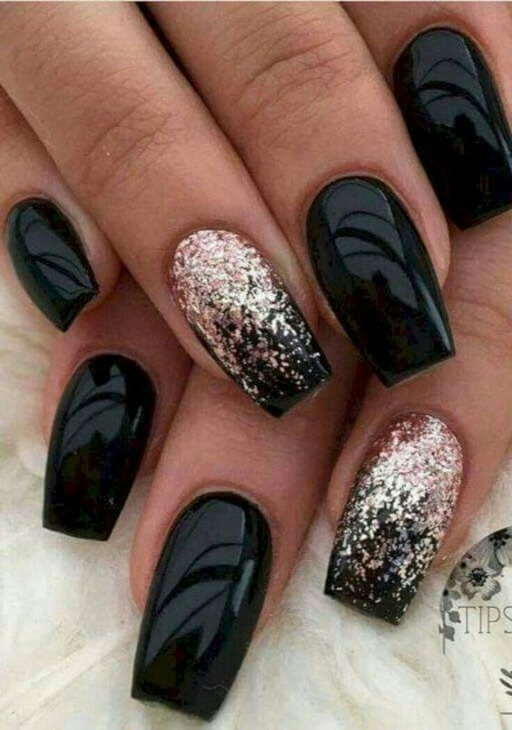 black decorated nails 17