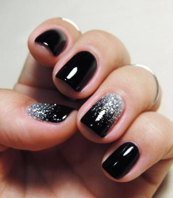 black decorated nails 18