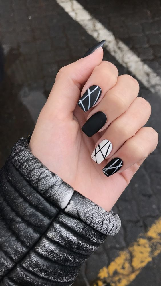 black decorated nails 5
