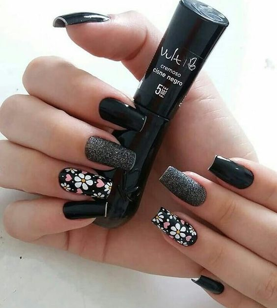 black decorated nails 9