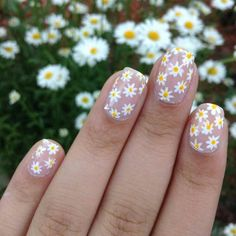 daisy floral nail art ideas 1
