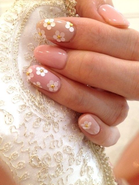 daisy floral nail art ideas 2
