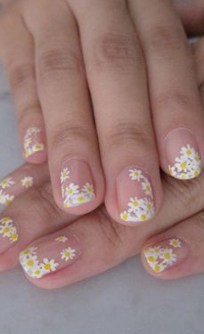 daisy floral nail art ideas 3