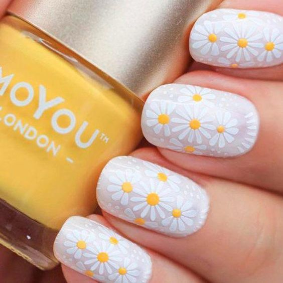 daisy floral nail art ideas 5