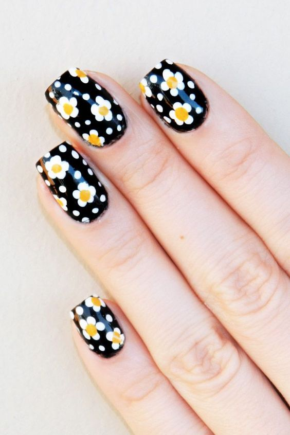 daisy floral nail art ideas