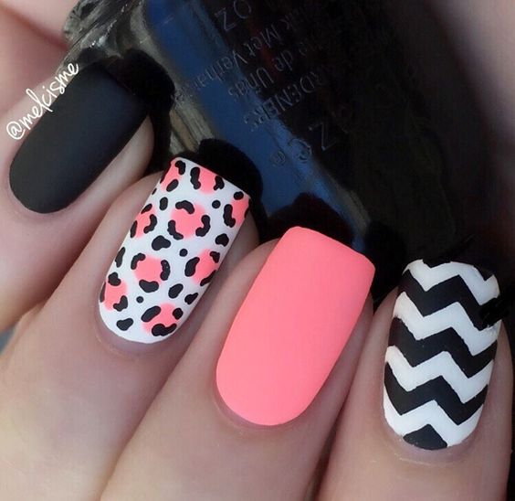 decorated nails animal print 3