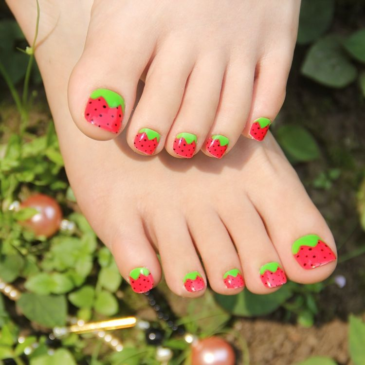 decorated toenails ideas 1