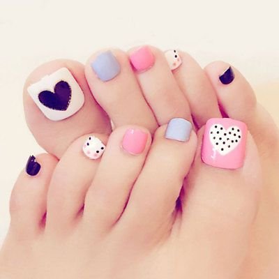 decorated toenails ideas 16