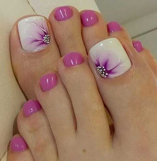 decorated toenails ideas 19