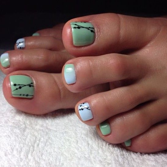decorated toenails ideas 5