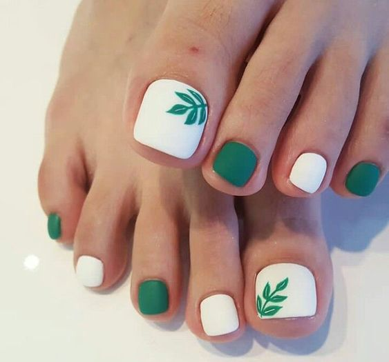decorated toenails ideas 7