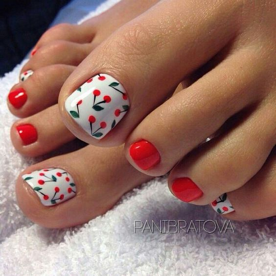 decorated toenails ideas 8