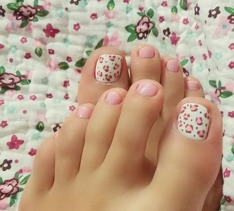 decorated toenails ideas