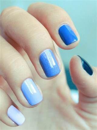 gradient nails blue 1