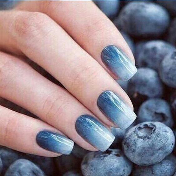 gradient nails blue