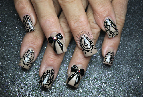 Nails Decorated with laces