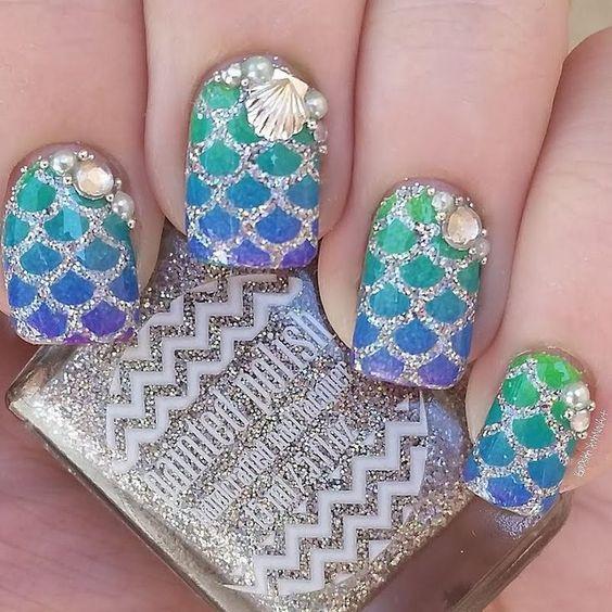 mermaid decorated nails 8
