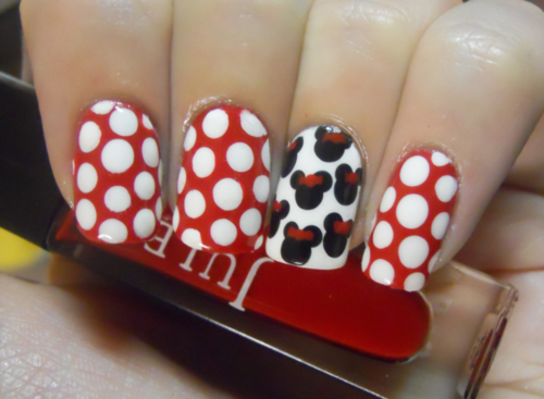 minnie mouse nails art
