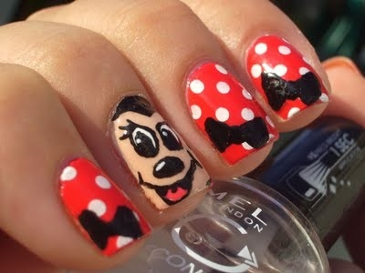 nail art minnie mouse
