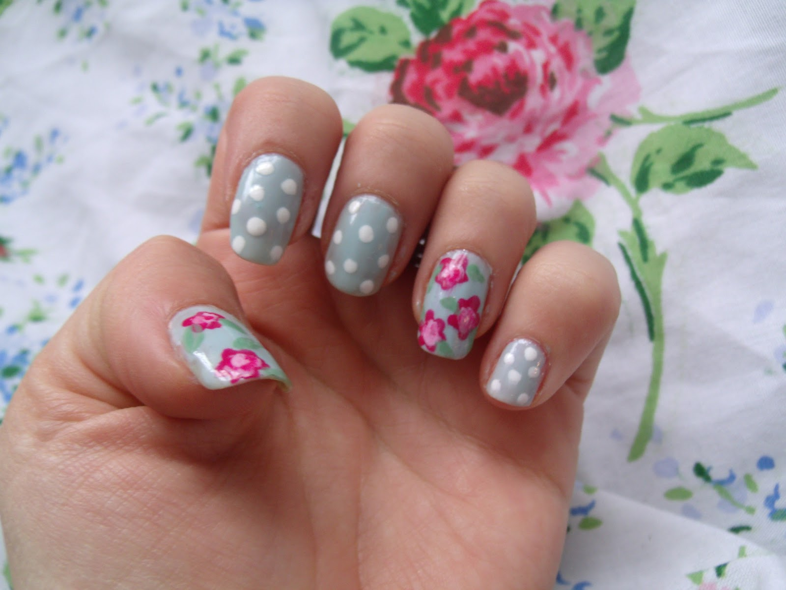 nail decorated floral print