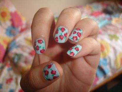 nails floral print